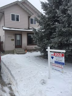 We SOLD 10707 98 Ave! Thinking of selling your Morinville Area home? Call 780-699-2903 or visit http://www.remax-morinville.ab.ca/free_market_evaluation.php for your Free Home Evaluation today!