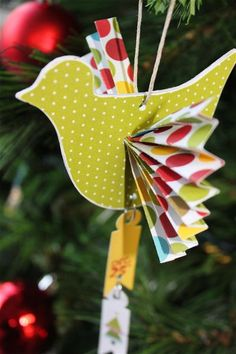 Cute Bird ornament with fan wings, love it!