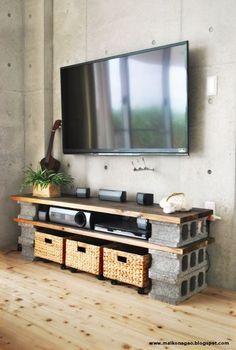 木材とレンガを組み合わせて、オシャレなテレビ台に♪