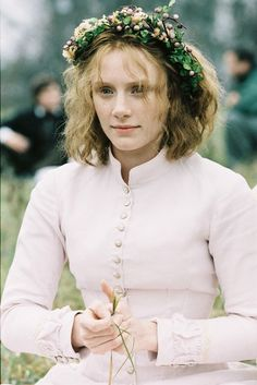 Bryce Dallas Howard, Ivy Walker - The Village directed by M. Night Shyamalan [so many people hate this movie, even movie critiques but I love it. Scary Movies, Good Movies, The Village Movie, Movies Showing, Movies And Tv Shows, Brice Dallas Howard, I Love Cinema, Movie Costumes, Love Movie