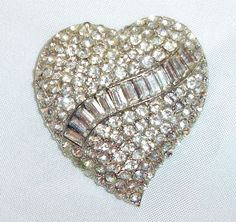 """~ 1940s Heart Brooch Sparkling Pave Set Rhinestones Stones ~ Great for that """"Little Black Dress""""...."""