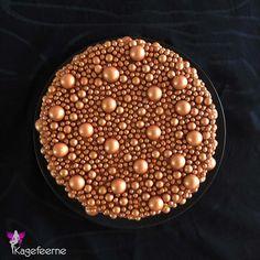 Bronzekugle lagkage - Cake with bronze balls Mini Cupcakes, Bronze, Balls, Rome