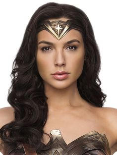 Wonder Woman Art, Gal Gadot Wonder Woman, Gal Gardot, Super Heroine, Foto Portrait, Avengers, Beautiful Women, Superman