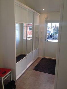 Puustelli skjutdörrskåp / liukuovikaappi / sliding door cabinet