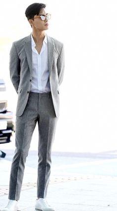 Park Seo Joon in Airport Korean Fashion Men, Korean Men, Asian Men, Mens Fashion, Seo In Guk, Seo Kang Joon, Asian Actors, Korean Actors, Joon Park
