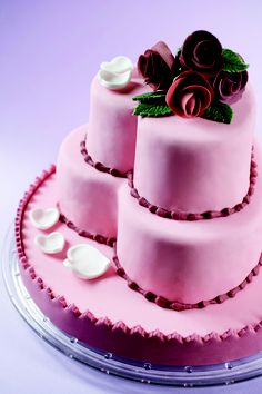 Hochzeitstorte Herz. #Tortendekorieren #Herz #Hochzeitstorte #Rosen #Pink