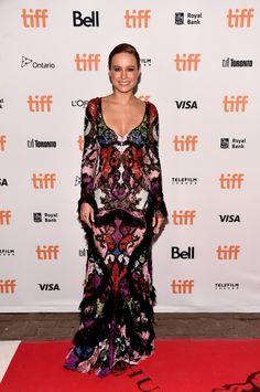 brie larson in alexander mcqueen | Brie Larson in Alexander McQueen (with Tiffany & Co. jewelry) at the ...