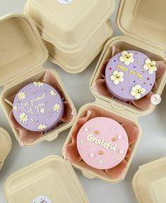 Pretty Birthday Cakes, Pretty Cakes, Beautiful Cakes, Baking Business, Cake Business, Mini Cakes, Cupcake Cakes, Bolo Tumblr, Bts Cake