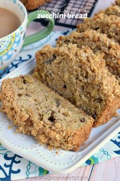 Add one more zucchini bread to repertoire because this Crunchy Streusel Zucchini Bread is worth it. This bread is chock full of walnuts and zucchini and topped with a sweet brown. Recetas Zuchinni, Zuchinni Bread, Zucchini Bread Recipes, Banana Bread Recipes, Cinnamon Zucchini Bread, Naan, Just Desserts, Dessert Recipes, Cake Recipes