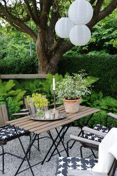Grusgård omgiven av grönska | Annas garden