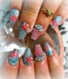 Mermaid nails love the design. Hate the shape. Super Cute Nails, Great Nails, Fabulous Nails, Gorgeous Nails, Nail Art Designs, Creative Nail Designs, Mermaid Nail Art, 3d Acrylic Nails, Animal Nail Art
