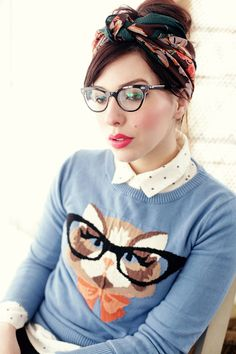 This is about as hipster as it can get! But I couldn't resist. It's an awesome look! #catsweater