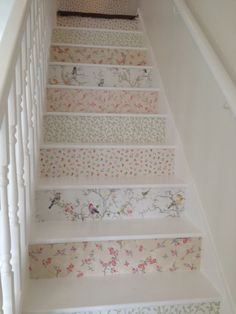 Shabby Chic Archives - Cute Home Designs Decoration Shabby, Shabby Chic Decor, Wallpaper Stairs, Painted Stairs, Retro Home Decor, Shabby Chic Homes, Ideal Home, Home Interior Design, Sweet Home