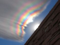 Fire rainbow is a rare phenomenon that occurs when the sun is higher than 58 degres above the horizon & its light passes through cirrus clouds made of ice crystals All Nature, Science And Nature, Amazing Nature, Fire Rainbow, Rainbow Cloud, Rainbow Light, Rainbow Dash, Beautiful Sky, Beautiful World