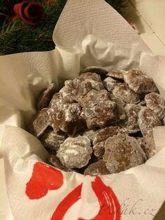 Potřebné přísady  3 ks oříškových tatranek 3 polévkové lžíce  kokosu 3 polévkové lžíce  mletých vlašských ořechů 1,5 polévkové lžíce holandského  kakaa  ...