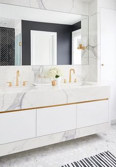 A comfy master suite with luxe allure null - Marble Bathroom Dreams Dream Bathrooms, Beautiful Bathrooms, Modern Bathroom, Small Bathroom, Marble Bathrooms, Bathroom Towels, Master Bathroom, Bad Inspiration, Bathroom Inspiration