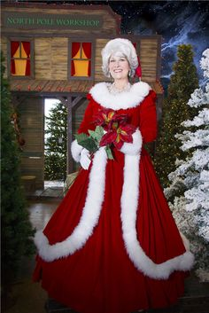 Room for fancy necklace? Fur trim down sides fun too. Mrs Claus Outfit, Mrs Santa Claus Costume, Mrs Claus Dress, Santa Costumes, Santa Clause, Santa Dress, Santa Outfit, Diy Outfits, Costume Christmas