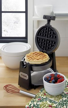 Make delicious, extra-thick Belgian waffles with a professional touch. Restaurant-style waffler rotates for even baking. Extra-deep pockets make the thickest waffles around, cooked the way you like them thanks to a browning control knob. Nonstick plates release waffles cleanly.