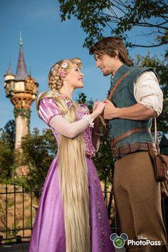 Rapunzel and Flynn Photopass