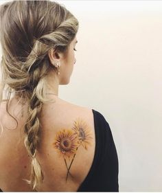 15 The perfect sunflower tattoo on the shoulder blade