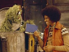 Michael Jackson makes a brief appearance with Oscar the Grouch on Sesame Street in 1978.