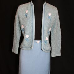 ad59ce906c637 1950s Blue Boucle` Cardigan   Linen Skirt with Rose Appliques - Size 7 8