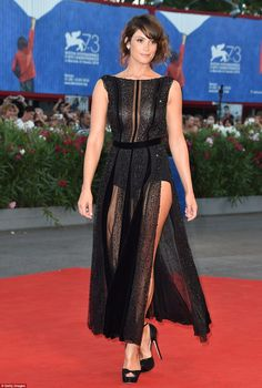 Gemma Arterton Photos - Gemma Arterton attends the premiere of 'The Young Pope' during the Venice Film Festival at on September 2016 in Venice, Italy. - 'The Young Pope' Premiere - Venice Film Festival Gemma Arterton, Gemma Christina Arterton, Venice Film Festival, Gentlemans Club, Prince Of Persia, Celebs, Celebrities, Beautiful Actresses, Hollywood Actresses