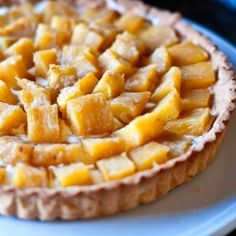 Roasted pineapple tart with a rum cream filling, very easy to make and completely impressive in taste and design!