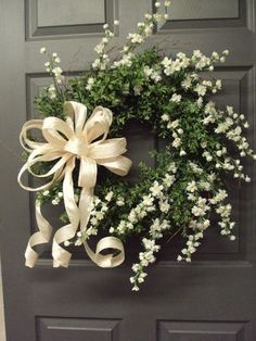 Attractive 42 Adorable Wedding Wreaths For Any Nuptials
