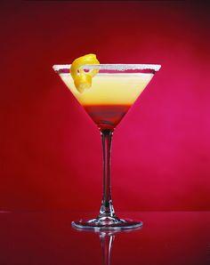 Copa Derecha 16 oz Blue Rim Martini Glass