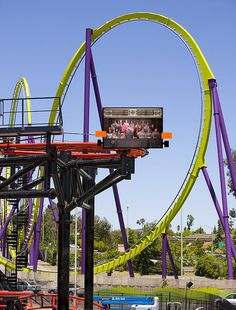 A spinning coaster with Tower of Terror style seating #bigspin #lol #sixflags