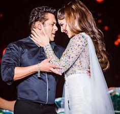 Salman Khan and Jacqueline Fernandez Bollywood Celebrities, Bollywood Actress, Salman Khan Photo, Sr K, Jaclyn Hill Palette, Madhuri Dixit, Jacqueline Fernandez, Anushka Sharma, Indian Actresses