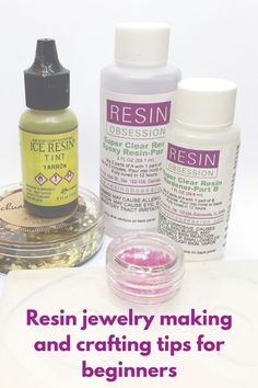 Jewelry Making Supplies resin jewelry making - Get answers to common beginner questions about resin jewelry making. Includes tips and links to free resources on how to have resin success. Diy Resin Crafts, Jewelry Crafts, Handmade Jewelry, Earrings Handmade, Ice Resin, Clear Resin, Resin Art, Resin Glue, Resin Jewelry Making