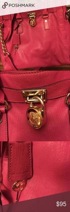 Michael Kors Large Hamilton Bag This is a gorgeous bag! Pictures don't do it justice! I wanted it so I bought but found out it's too big for my body size. Bags Crossbody Bags