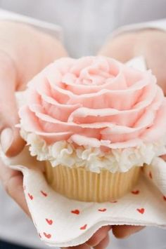 rose-shaped pink cupcake