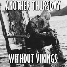Travis Fimmel as King Ragnar The Vikings, Vikings Game, Vikings Tv Series, Vikings Ragnar, Vikings Tv Show, Odin Thor, King Ragnar Lothbrok, Symbole Viking, Bracelet Viking