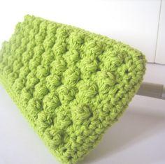 Swiffer Mop Cover Crochet Pattern-Great idea! Those Swiffer refills are so spendy!!