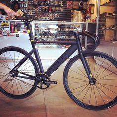 Izumi Jet Black with gold pins vélo Chaîne Voie//Single Speed//engins fixes//BMX