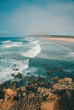 14 Tage Portugal Roadtrip – vom Norden in den Süden Bordeira in the Algarve. 14 Days Portugal Road T The Places Youll Go, Places To Go, Beautiful World, Beautiful Places, Best Places In Portugal, Slovenia Travel, Portugal Travel, Roadtrip, Adventure Travel