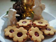 Vánoční pečení :: RECEPTY ZE ŠUMAVSKÉ VESNICE Cookies, Desserts, Food, Crack Crackers, Tailgate Desserts, Deserts, Biscuits, Cookie Recipes, Meals