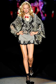 Anna Sui Spring 2012 Ready-to-Wear Fashion Show - Hanne Gaby Odiele