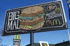 Outdoor do McDonald's parece 1 quadro-negro, mostra o menu escrito a giz :) http://www.bluebus.com.br/outdoor-do-mcdonalds-parece-1-quadro-negro-mostra-o-menu-escrito-a-giz/