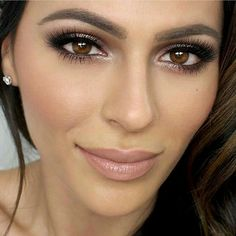 We love this beautiful,classic bridal make up look.So gorgeous with lovely lashes. Look by #tenipanosian