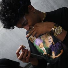 Yuh yuh on ya bitch Trill Sammy, Rap Wallpaper, Creative Pictures, Chris Brown, Celebs, Celebrities, Baby Daddy, Hot Guys, Hot Men