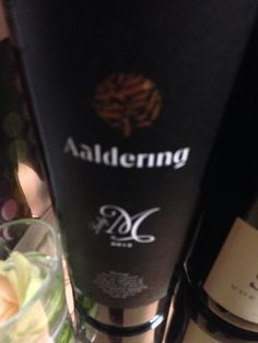 De Lady M van Aaldering vind je bij de Society Wine Shop in Soest Smaak van Wijn Starbucks Iced Coffee, Coffee Bottle, Wines, Shop, Store