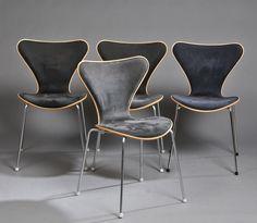 Arne Jacobsen 1901-1971. Fire stole, model 3107