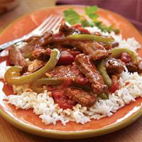 Beef Pepper Steak and Rice from HEB  1 - 1 1/2 lb. beef top round steak    1 Tbsp. paprika    1 1/2 c. uncooked long grain white rice    2 Tbsp. butter (may substitute oil)    1 lg. green bell pepper, cut into thin strips    1 Tbsp. minced garlic in oil    1 jar H-E-B Tomato Tapenade    1 c. beef broth    1/3 c. water    2 Tbsp. each: cornstarch and soy sauce    Instructions    Cut round steak across the grain into very thin strips. Sprinkle with paprika and set aside 5 or 10 minutes.    Cook rice on stovetop or in r...