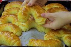Brunch Recipes, Sweet Recipes, Kolachi Recipe, Croation Recipes, Kiflice Recipe, Macedonian Food, Snickerdoodle Recipe, Kolaci I Torte, Homemade Dinner Rolls