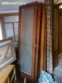 . vendo 4 puertas antiguas todas iguales de 60,5 x 210 cm, por 90 euros la unidad.Todas tienen el cristal y la madera esta en perfectas condiciones.