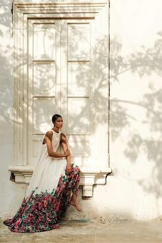 chanel iman in ELIE SAAB Ready-to-Wear Spring Summer 2014 for harper's bazaar russia june 2014 by alexander neumann Chanel Iman, Elie Saab, Vestido Dress, Harper's Bazaar, Foto Fashion, Style Fashion, Dress Fashion, Trendy Fashion, Spring Fashion